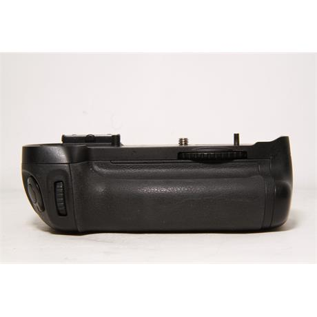 Used Nikon MB-D14 Battery Grip Image 1