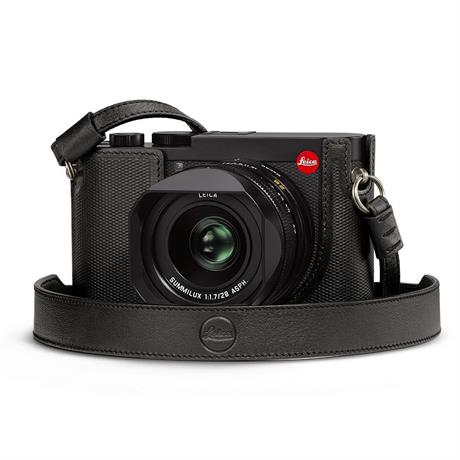 Leica Q2 Carrying Strap Black Image 1