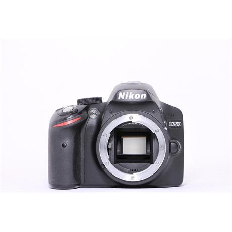 Used Nikon D3200 body Image 1