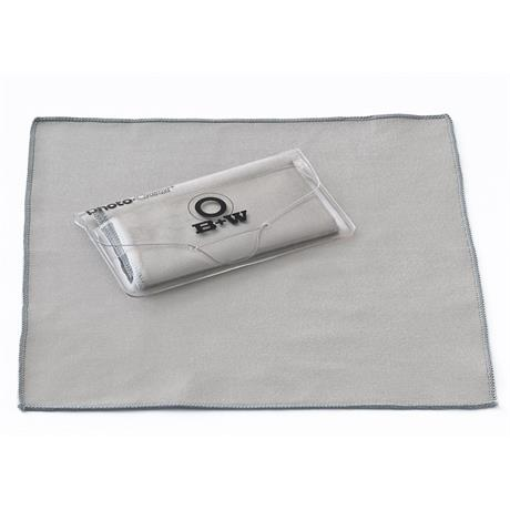 B+W Photo Clear Microfibre Cleaning Cloth 18x18cm Image 1