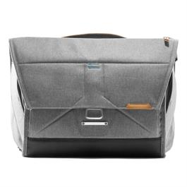 "Peak Design The Everyday Messenger Bag Ash 15"" v2.0 thumbnail"