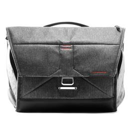 "Peak Design The Everyday Messenger Bag Charcoal 15"" v2.0 thumbnail"
