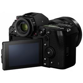 Panasonic Lumix S1 Full Frame L-Mount camera with 24-105mm f4.0 L Lens Thumbnail Image 6