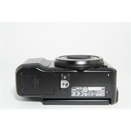 Used Canon G11 Compact Camera Unboxed Thumbnail Image 3