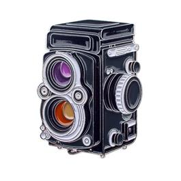 Official Exclusive Rolleiflex 2.8f 3.5 Twin Lens Reflex Camera Pin Badge thumbnail