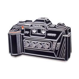 Official Exclusive Nishika N8000 3D Camera Pin Badge thumbnail