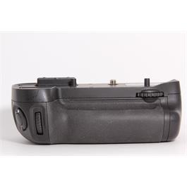 Used Nikon MB-D15 Battery Grip thumbnail