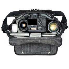 Think Tank Retrospective 30 Shoulder bag V2 - Black Thumbnail Image 2