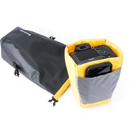Vanguard Alta Waterproof Pouch - MEDIUM Thumbnail Image 8