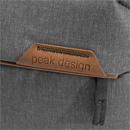 Peak Design Everyday Sling 6L V2 Ash Thumbnail Image 3
