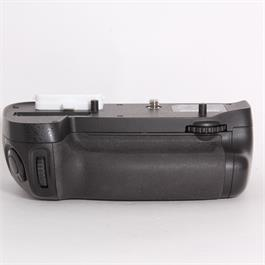 Used Nikon MB-D15 Battery Grip thumbnail