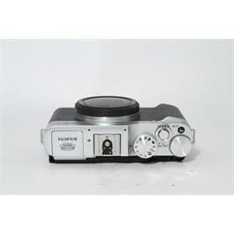 Fujifilm Used Fuji X-A2 Body Silver Thumbnail Image 2
