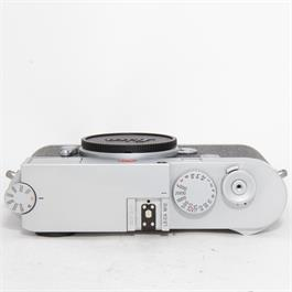 Used Leica M10 Silver Boxed Thumbnail Image 2