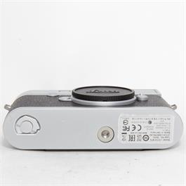 Used Leica M10 Silver Boxed Thumbnail Image 3