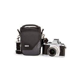 A compact bag specifically designed for mirrorless systems, the 5 fits 1 small body with small telephoto or pancake lens attached