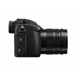 Panasonic Lumix GH5 Leica 12-60 Kit Side 2