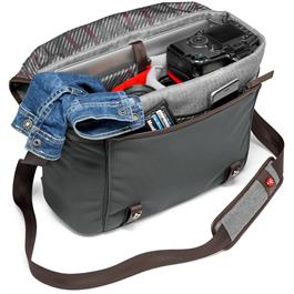 Manfrotto Windsor Medium Messenger Bag Filled