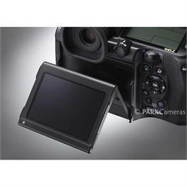 Pentax 645Z Medium Format Camera With SMC D-FA 645 55mm f2.8 Lens Kit Thumbnail Image 2