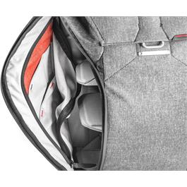 Peak Design Everyday Backpack 20L Charcoal Thumbnail Image 7