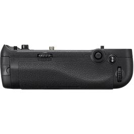 MB-D18 Multi-Power Battery Grip for Nikon D850 Thumbnail Image 2