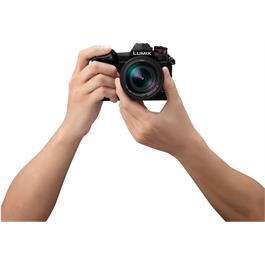 Panasonic Lumix G9 Camera + Leica 12-60mm f/2.8-4 Lens Kit Thumbnail Image 6