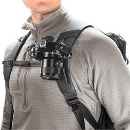 Peak Design Capture Camera Clip (v3) Black with Standard Plate Thumbnail Image 3