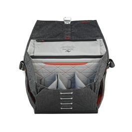 peak design everyday messenger bag charcoal 15 inch