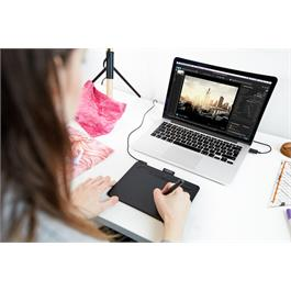 Wacom Intuos Small without BlueTooth - Black Thumbnail Image 2