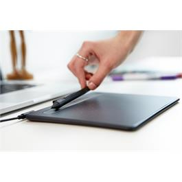 Wacom Intuos Small without BlueTooth - Black Thumbnail Image 1